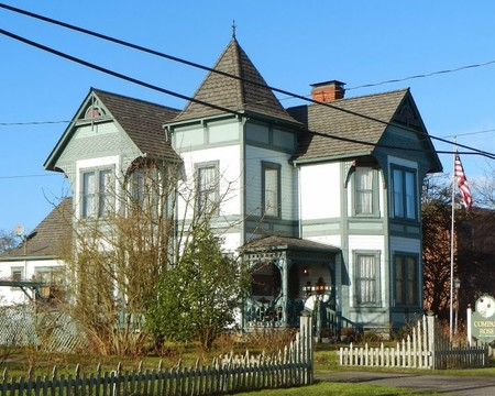 Compass Rose Bed & Breakfast, Coupeville