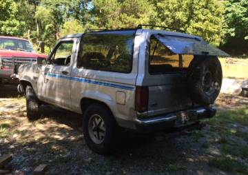 1988 Ford Bronco II v6 5 speed 4x4 - $800 (Oak Harbor)