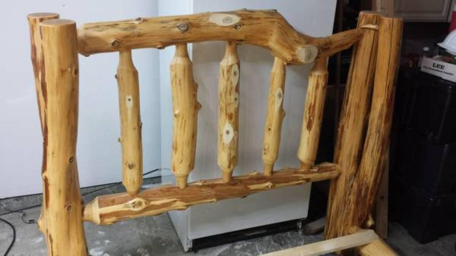 Rustic Log Wood Hand Made Bed Frame - $600 (Oak Harbor)