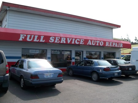 Whidbey island auto repair midway tire muffler yabsta for Oak harbor motors service department